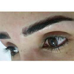 איפור קבוע בעיניים
